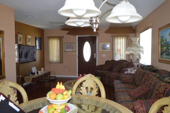 Comfortable Stay in a Home Away from Home