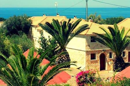 Seaside Stone Villa - Argostolion - Hus