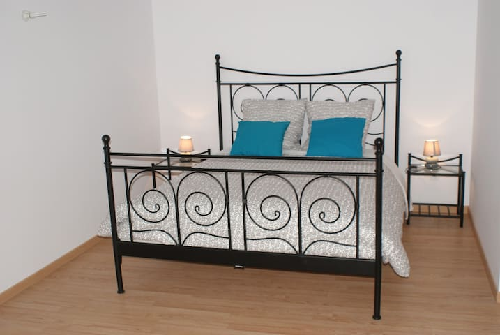 Chambre Quadruple - CREZILLES - Bed & Breakfast