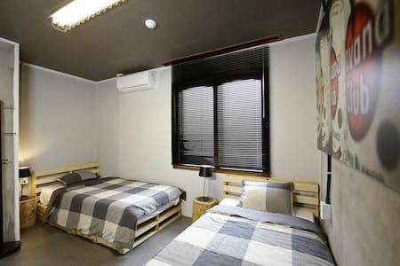 미도호스텔 트윈룸 JEJU Twin Room