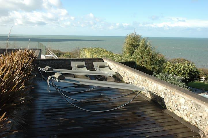 Cottage Le Loft en bord de mer, piscine, tennis