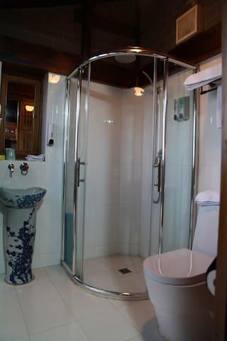 徽舍民宿单人间:寿(hui boutique hotel) - Huangshan - Huis