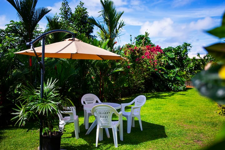 Guest area on the lawn, enjoy your morning coffee or cold sundowner here