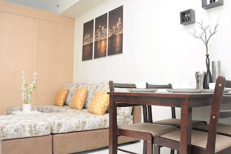 Wind Residences 17/F Condo - Appartement