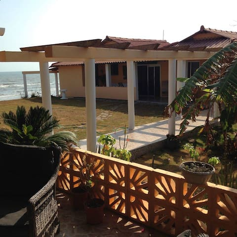 Beach House in Guararé Convenient to Attractions