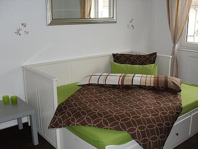 Cosy single room Langenhagen -HB163 - Langenhagen - Bed & Breakfast