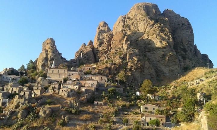 Apt in Calabria near Aspromonte