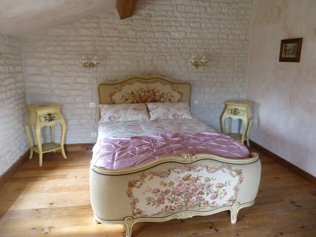 The Blacksmiths Cottage a romantic country retreat - Romazieres - Hus