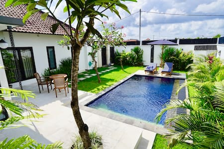 Beautiful modern 1-bed pool villa in lovely Umalas - North Kuta - Villa