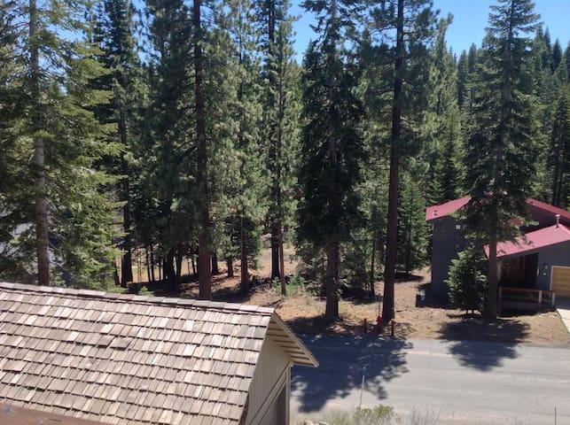 Jay's Retreat - Tahoe Vista - Talo