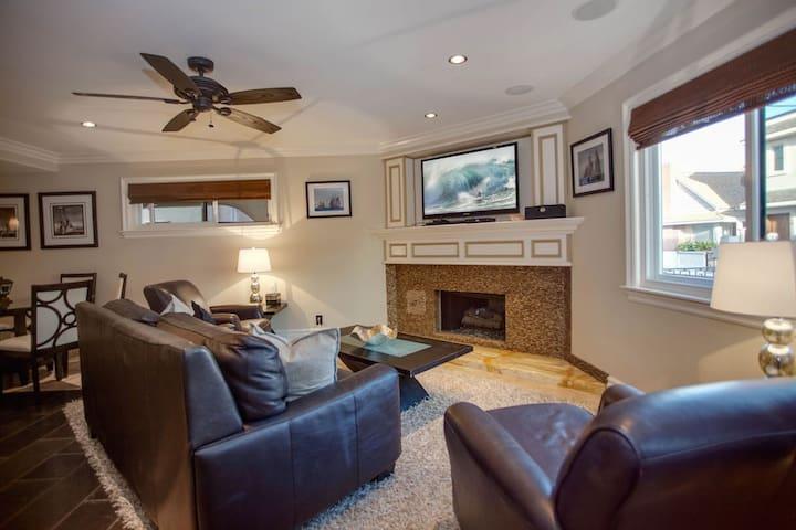 Elegant Newport Peninsula Villa - Newport Beach - House