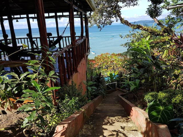 Bungalow for couples jungle surrounded near ocean