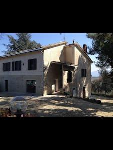 Villa in Pietra Immersa nel Verde - Torre del Colle