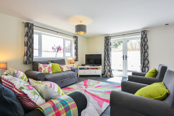 Luxury lodge, mins to Golf & Beach! - Seaford