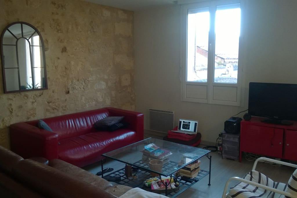 Bel appartement pr s pont de pierre apartments for rent for Appartement bordeaux stalingrad