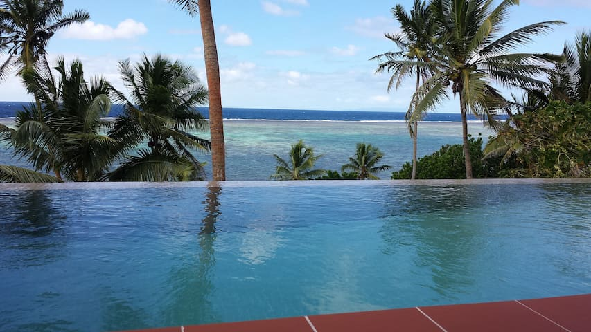 Luxury oceanfront home with pool - Savusavu - Villa