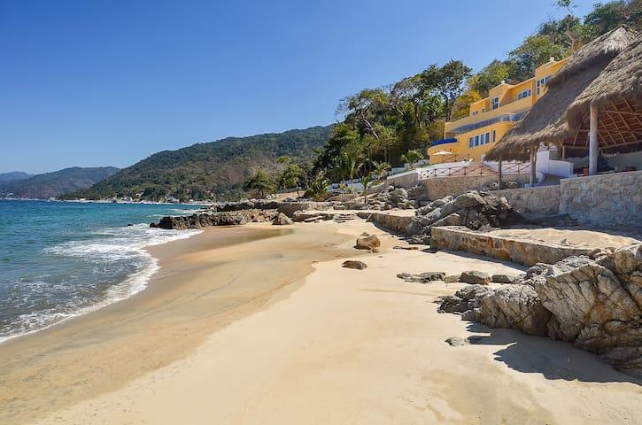 Playasola 8 Bedroom: 111967 - Aguacate - Villa