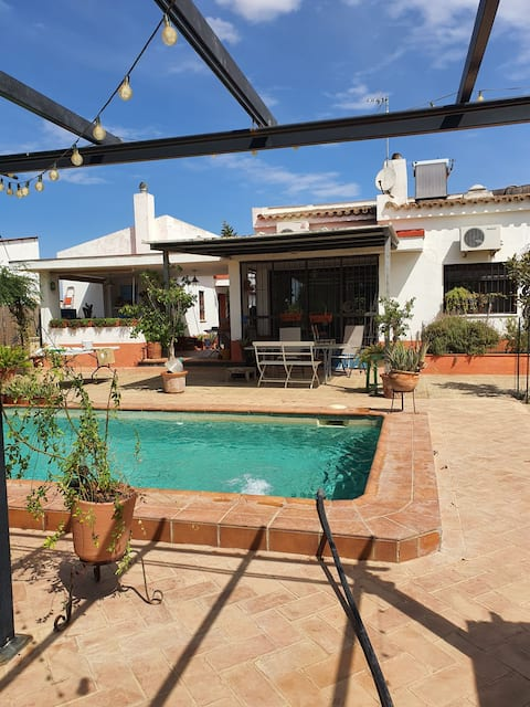 Lovely and Quiet Villa Mora
