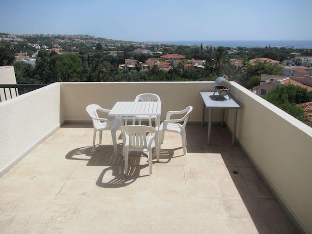 1bedroom apt at St.George,sea  views,400m to beach - Chloraka - Appartement