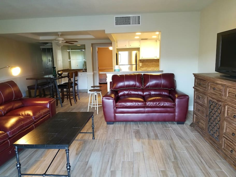 3 Bedroom Across Street From Convention Centers Apartments For Rent In Las Vegas Nevada
