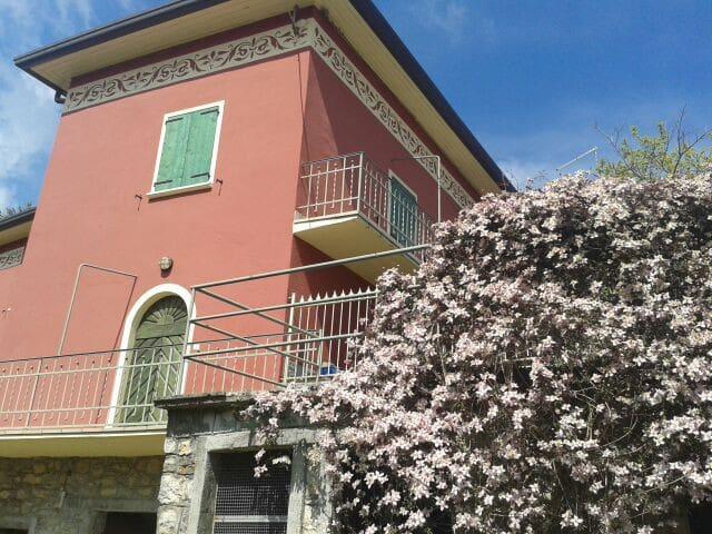 Appartamento in Villa Neo Classica - Parzanica - Byt