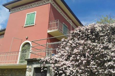 Appartamento in Villa Neo Classica - Parzanica