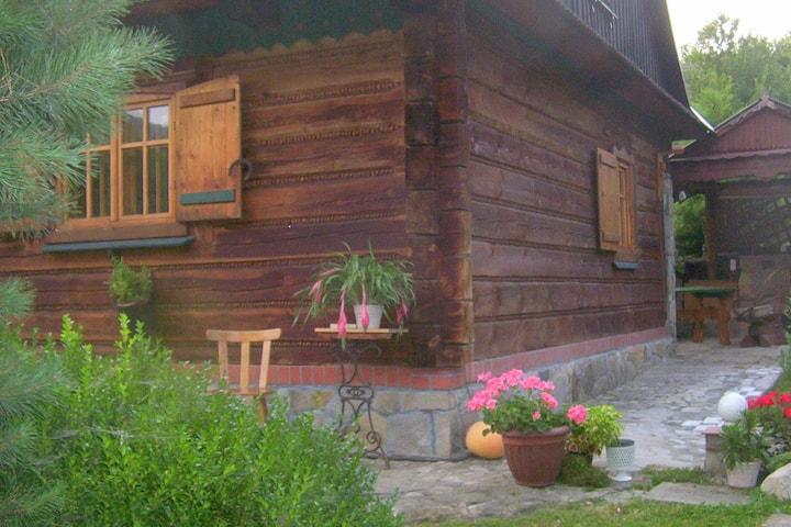 Czchów   Dom wakacyjny w ogrodzie.