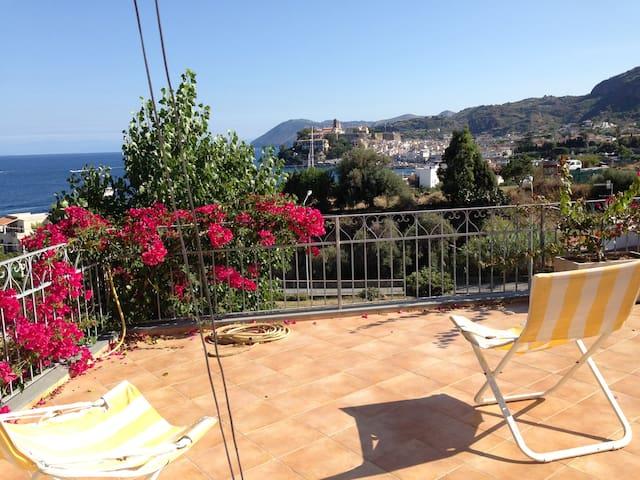Cute house with terrace on Lipari