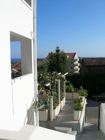 Entrance to Villa Mila.