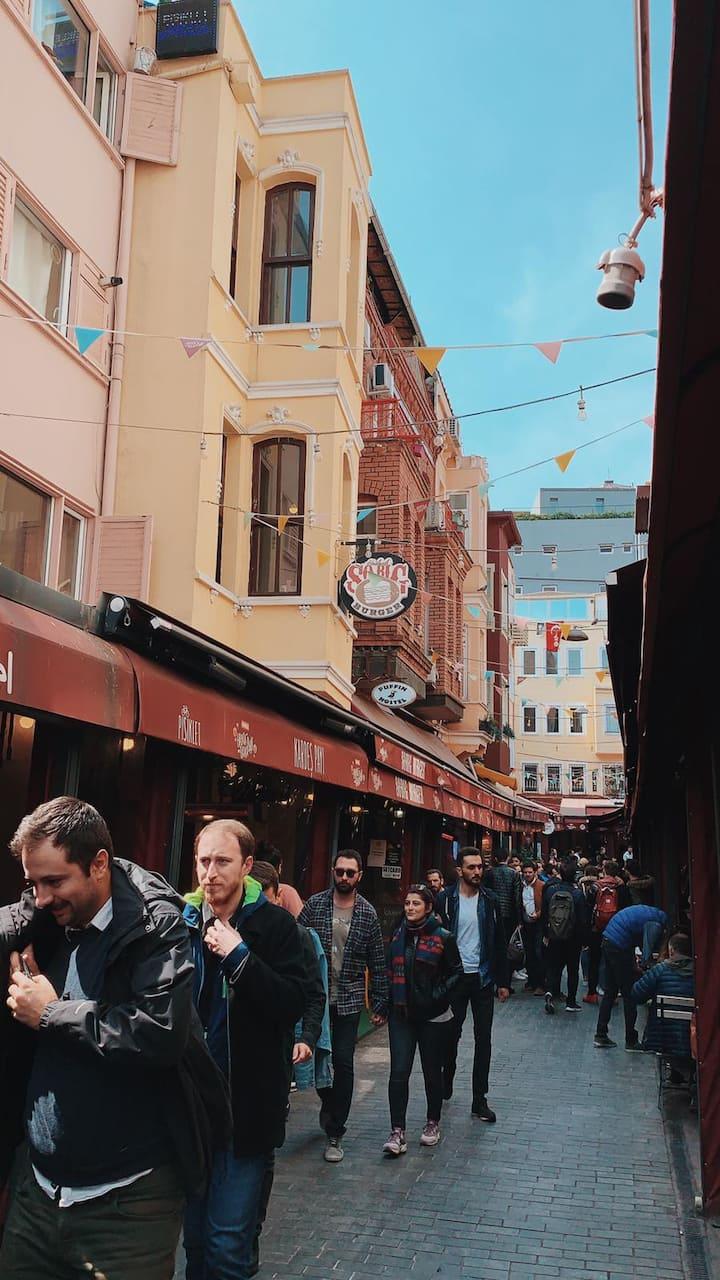 Famous Breakfast Street