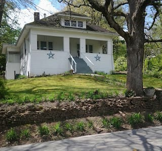 Historic Lookout Mtn. 6BR, Huge - Lookout Mountain - Casa