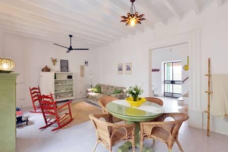 Cals Menescals - Casa de pueblo con piscina y wifi