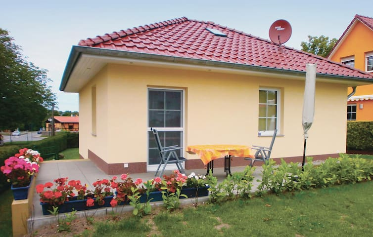 Holiday cottage with 2 bedrooms on 56 m² in Bastorf