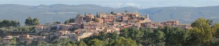 Maison plein coeur du village de Roussillon