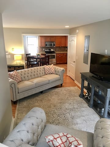 12th South House/minutes from Downtown