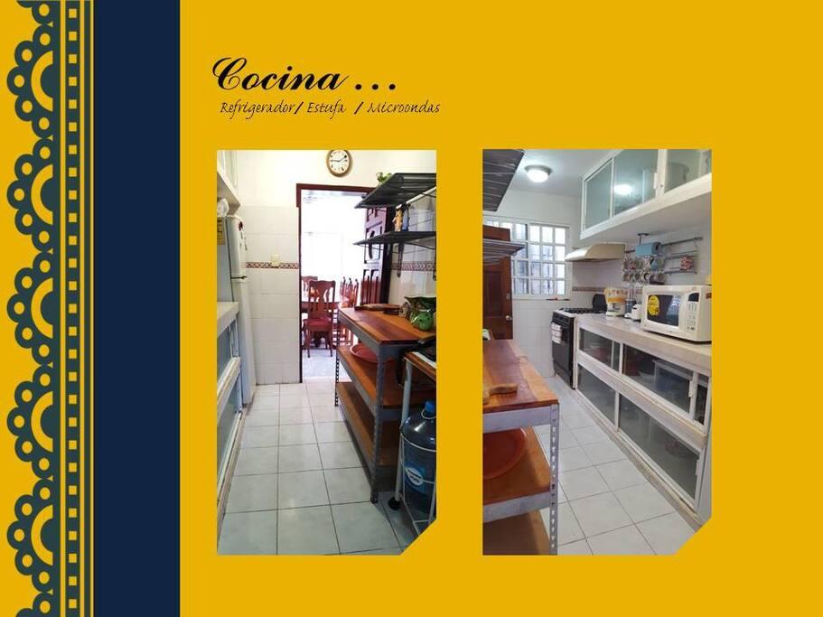 Cocina equipada con estufa con gas, microondas, refrigerador (Todo lo necesario)
