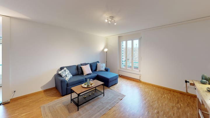 *NEW LISTING PRICES* 9MINUTES FROM ZH MAIN STATION* / *SPACIOUS* / *MODERN* (B)