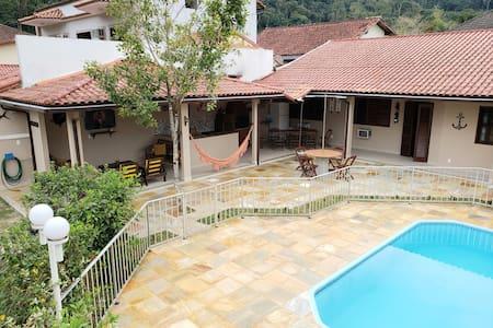 Garatucaia - Casa com Piscina/Wifi perto da praia