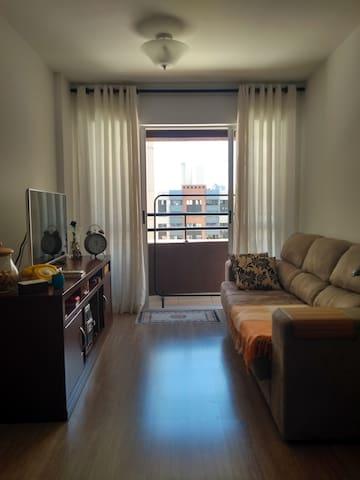 Hospede-se bem... confortável quarto no Cabral