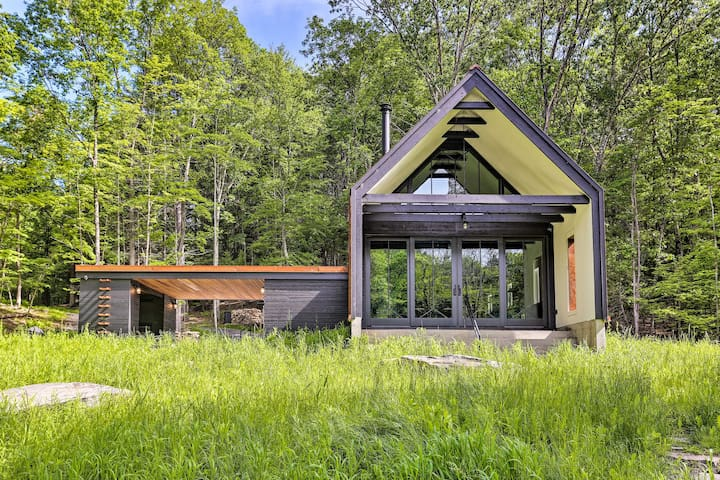 NEW! Modern Cabin w/ Pvt. Pond in Upstate New York