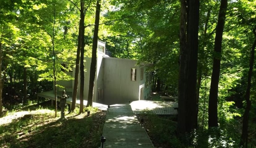 Seneca Lake Woodland Retreat  Heart of Wine Trail! - Penn Yan - Hus