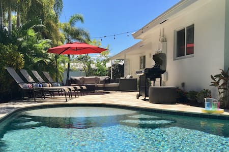 Book Now Save $160 Private heated pool near beach.