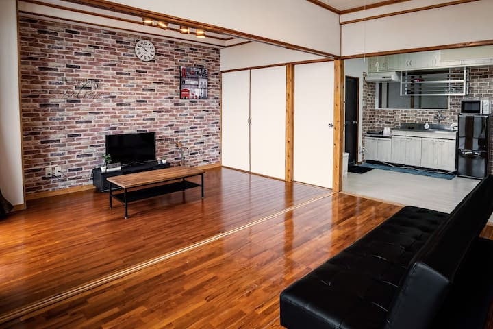 Brick Walled House 名護