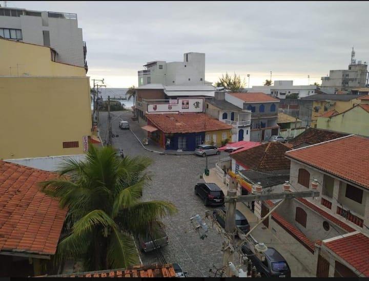 Centro de Saquarema colado na praia da Vila