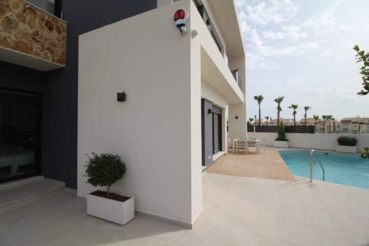 NEW BUILT DETACHED VILLA FOR RENT IN TORREVIEJA