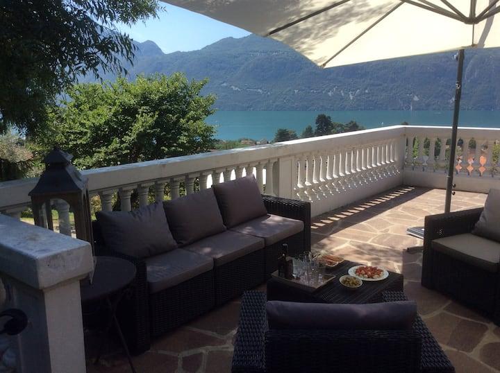 Villa vue lac et montagne exceptionnelle