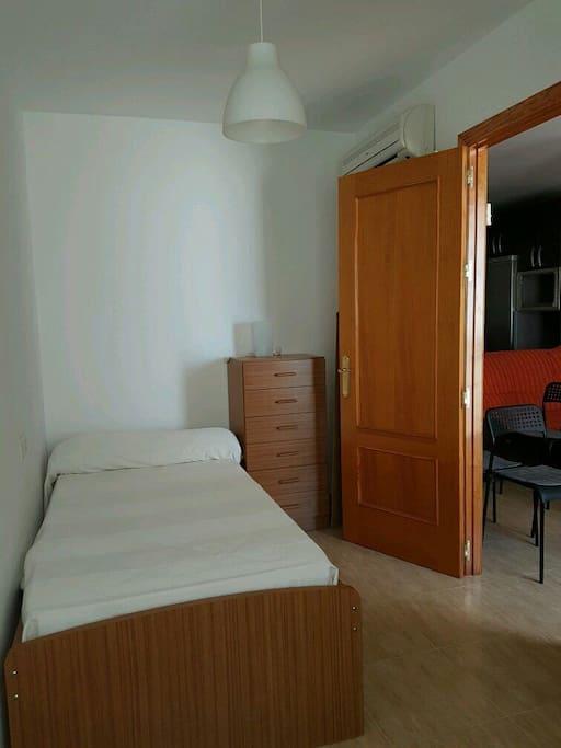 Piso acogedor y luminoso con vistas al mar appartamenti - El piso de lola ...