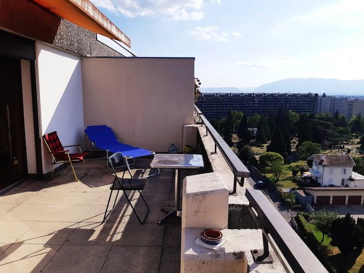 Studio with a beautiful view in Geneva