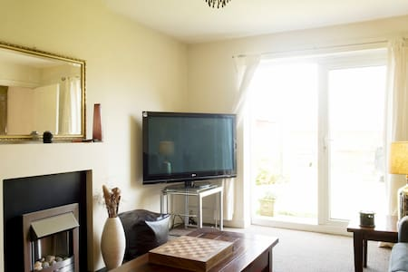 Cosy Bungalow near Deepings Centre - Market Deeping - 獨棟