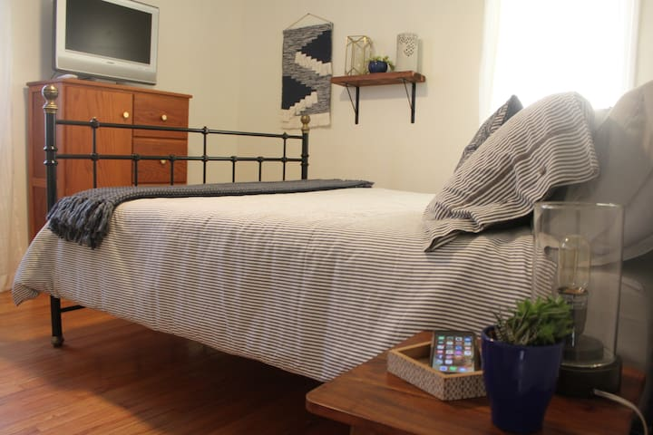 """Bedroom #1 """"The Blue Room"""" (Brand New Queen Mattress with all new Bedding and Pillows)"""